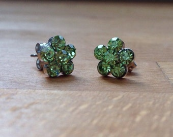 Light green crystal floral stud earrings