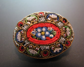 Beautiful Vintage Italian Micro Mosaic Oval Brooch