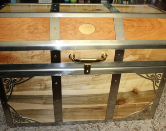 Wood Chest, Handcrafted Hope Chest, Wood Trunk, Wedding Gift, Personalized Gift, Hope Chest