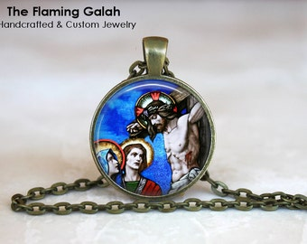 JESUS ON CROSS Pendant •  Stained Glass •  Church Window •  Christian Religious Jewelry •  Made in Australia •  (P0675)