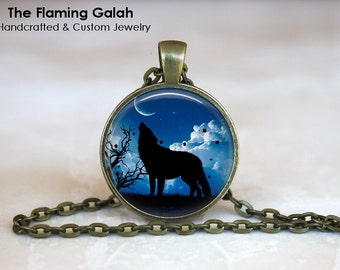 HOWLING WOLF Pendant • Wolf Silhouette • Wolf and Moonlight • Wolf at Night • Gift Under 20 • Made in Australia (P1187)