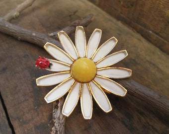 vintage gold tone weiss sun flower and lady bug brooch