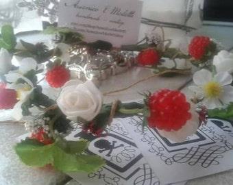 Crown tiara with raspberries and white roses.  Crown tiara.