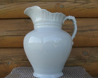 Alfred Meakin Ironstone Pitcher, Large