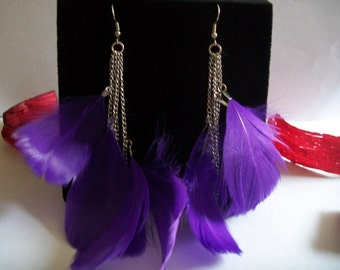 feather earrings violet