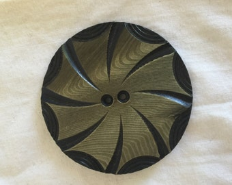 """Vintage Celluloid Wafer,Button, 1 15/16"""", Spin wheel, Faux Wood"""