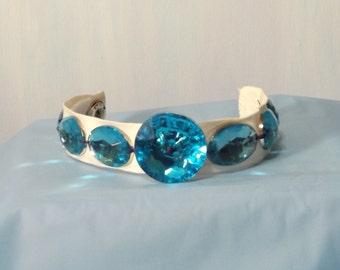 blue button bracelet