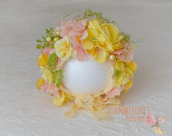 Flower bonnet ,Floral Bonnet, Flower baby Hat, Photo Prop, Pale yellow and dusty peach flowers