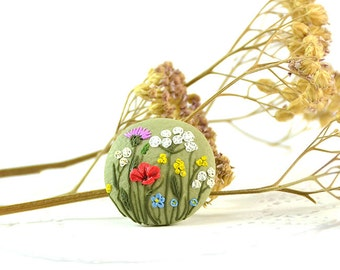 Wildflowers Brooch - Round small floral brooch applique - Polymer clay jewelry - Brooch with wildflowers - Handmade