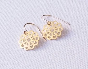 Gold plated earrings. Flower pattern. silver. gold plated.  Handmade.