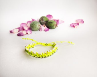 Neon bracelet with chain