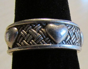 Sterling Silver Band with Hearts and Woven Design Size 8