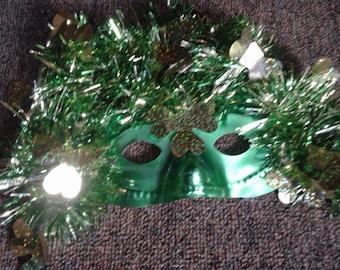 Green St. Patrick's Day half-face Mask