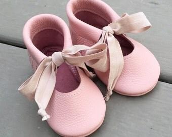 Blush Mary Jane leather shoes
