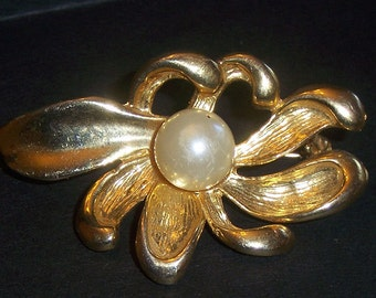 Gold Tone Flower with Pearl Center