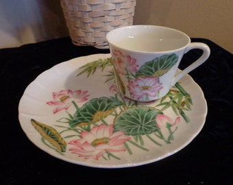 Shafford Lotus Blossom Fine Porcelain Snack Plates and Cups, Service for 6 Lunch/Snack Plates Set out of Japan, 1981, Shafford Fine China