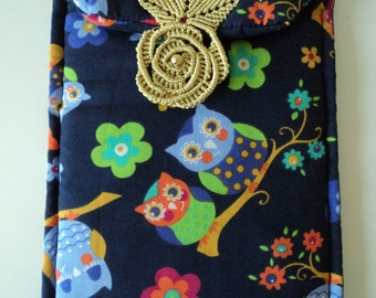 Owl padded case with macrame fastening