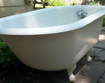5 foot clawfoot tub. Beautiful J L  Mott Ironworks Claw Foot Tub Bathtub in Very Good Condition Original Porcelain 54 Antique Clawfoot tub 5 Vintage Event