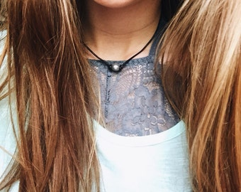 Gray pearl leather choker, pearl choke, pearl necklace