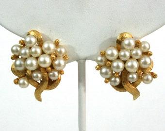 Vintage pearl clip on earrings Marvella earrings gold cluster