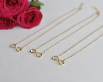 Infinity necklace - gift for your loved ones in gold