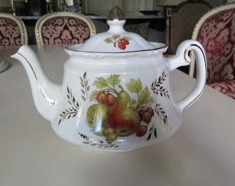 ENGLAND PRICE KENSINGTON Teapot with Lid