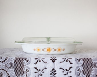 Vintage Pyrex Town and Country Divided Dish with Divided Lid