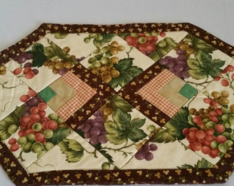 Quilted Grape Placemat Set of 4