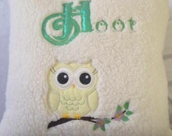 Gorgeous Fleece Cute Hoot Owl Cushion,owl cushion,fluffy cushion,cute owl,childrens cushion,nobelty cushion