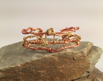 "Handcrafted copper and brass bracelet ""Frills"""
