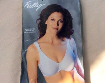 Vintage 38B Exquisite Form Fully Camisole strap soft cup bra, Deadstock in original box.