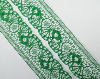 Vintage, emerald green scalloped lace trim- by the yard