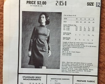 """Modes Royale Dress Pattern, 1960's high neck, futuristic look and nice hair.  Size 12, 34"""" bust"""