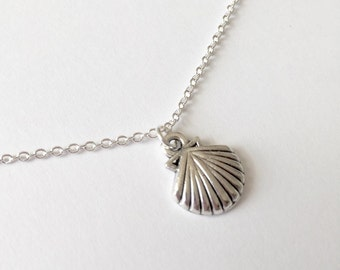 Silver Shell Necklace/Silver Seashell Necklace/Antique Silver Shell Necklace/Antique Silver Seashell Necklace/Beach Necklace