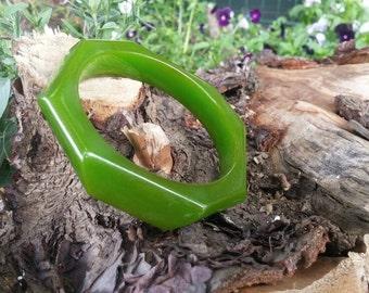 Bakelite green bracelet geometric angular