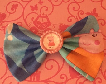 Peppa Pig Fabric Hair Bow with bottle cap center, hair bow, Peppa Pig bow, party favors, birthday party, rare fabric, little girl gift