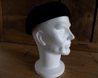 Vintage French beret made in Paris, traditional hat, black beret made by Primefleur, Paris