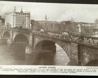 Vintage London - London Bridge postcard! Late 1800s-early 1900s!