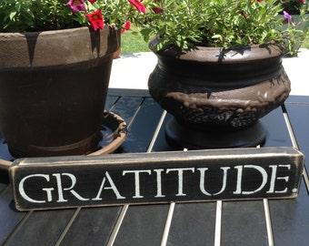 "Distressed Wooden Sign - ""GRATITUDE"""