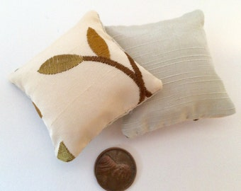 1:12 Miniature leaves and vines pillows - set of two
