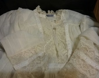 Vintage Christian Dior Night Gown with Lace..Long Sleeve..Gorgeous,,M/L