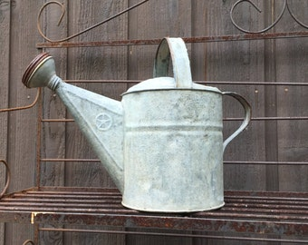 Vintage Galvanised Watering Can French Country Garden Water Can Primitive Rustic Farmhouse  8 Quart Rusty Vintage Grey Metal Garden Tool