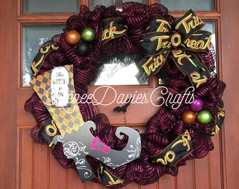 SALE!!!!! The Witch is in wreath / Halloween wreath / Fall wreath / witch / Decomesh