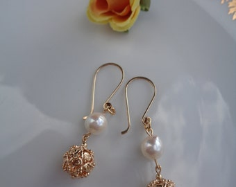 Gold Earrings with Akoya pearl, 585 goldfilled