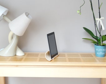 Ipad amplifier, wooden tablet amplifier, beech