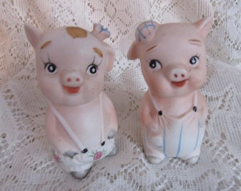 Vintage Pig Couple Salt and Pepper Shakers, Country Kitchen Decor