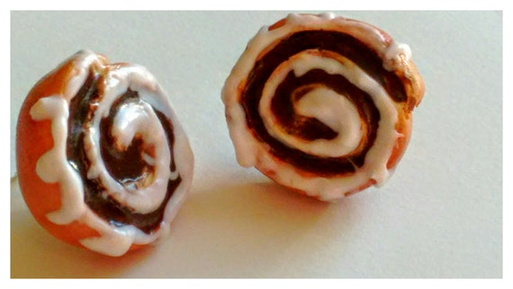 Cinnamon Roll Earrings - Miniature Food Jewelry, Inedible Jewelry, Gifts for Foodies, Statement Earrings, Cinnamon Bun Charms, Cake Earrings