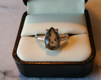 "Vintage Sarah Coventry 1975 ""Splendor"" Silver with Smokey Grey Stone Ring Adjustable Size, in Original Box"