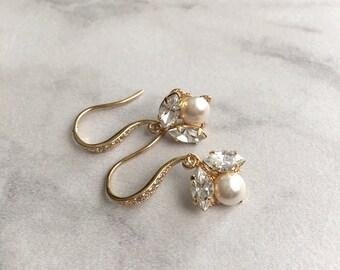 Pearl bridal earrings