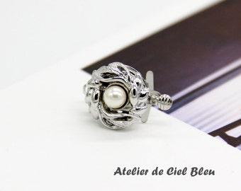 Flower Clasp, Single Strand Clasp, Brass Box Clasp, Flower Box Clasp, Silver Plated Clasp, Pearl Flower Clasp, 17mm x 14mm
